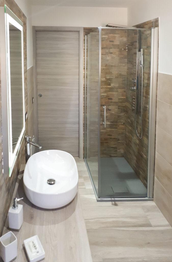 doccia idromassaggio dell' appartamento b&b il lentischio a cala gonone