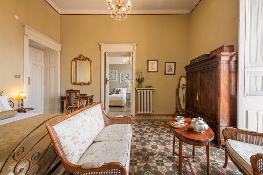 camera del palazzo santa caterina dorgali