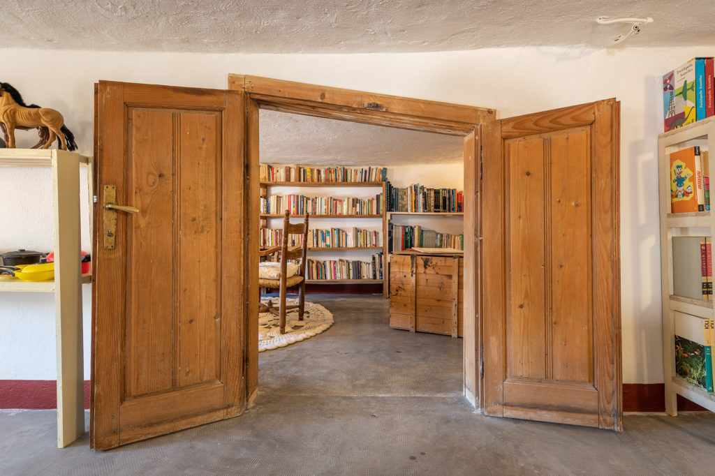 ingresso biblioteca - palazzo santa caterina dorgali