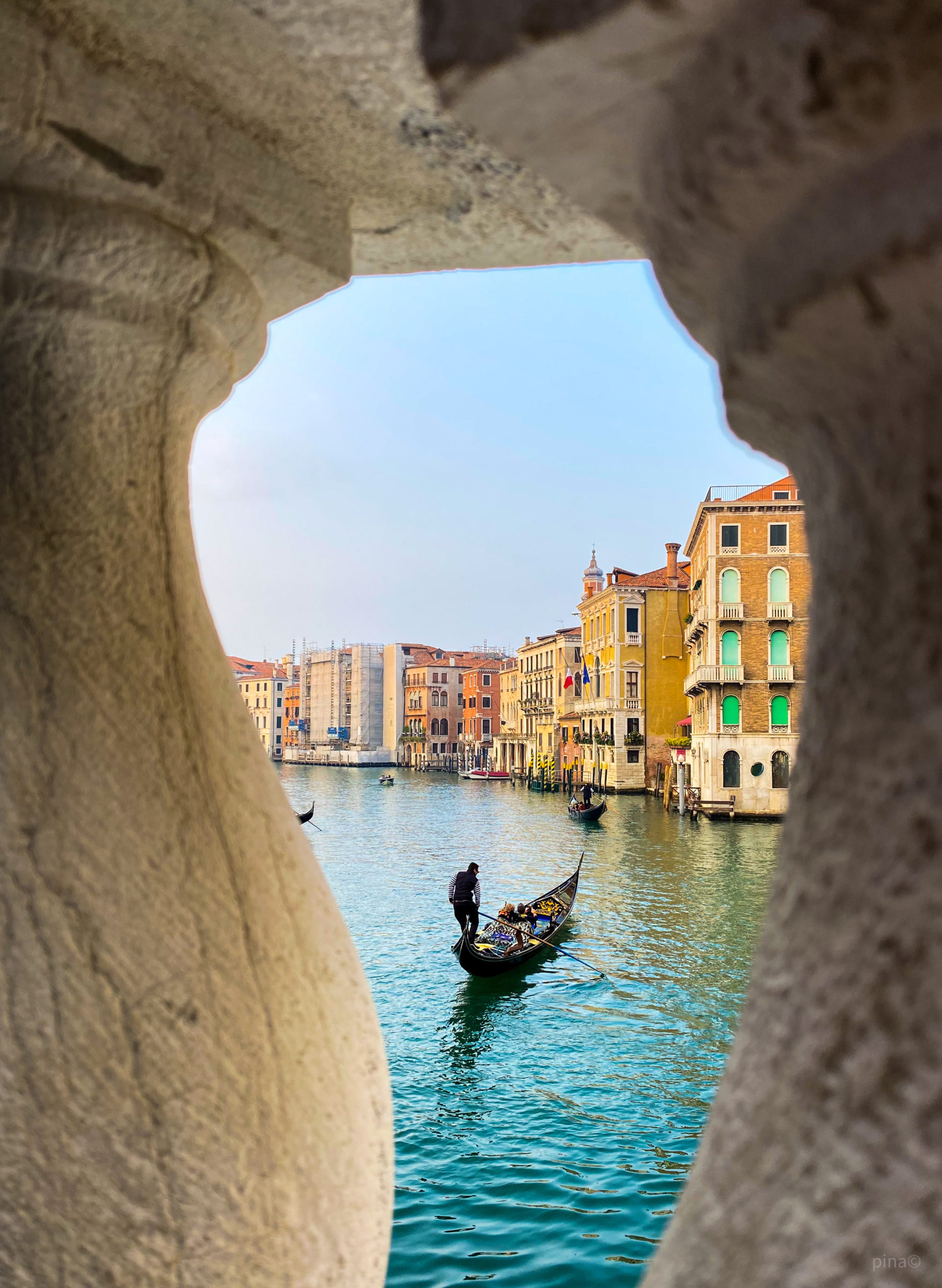 scorcio canal grande - gondoliere a venezia